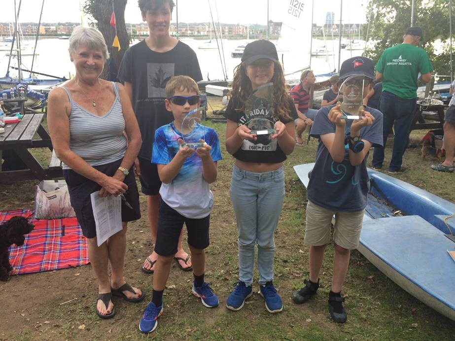 Millie Lewis 1st, Sam Bowring 2nd and Henry Lewis 3rd overall in the Wilsonians SC Junior Regatta. The Trophies were presented by Nathan WSC Cadet Class Captain and WSC Vice Commodore Christine Gober.